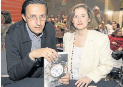 Presentación de La piedra de siete ojos en El Norte de Castilla