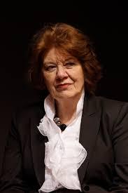La escritora Anne Perry
